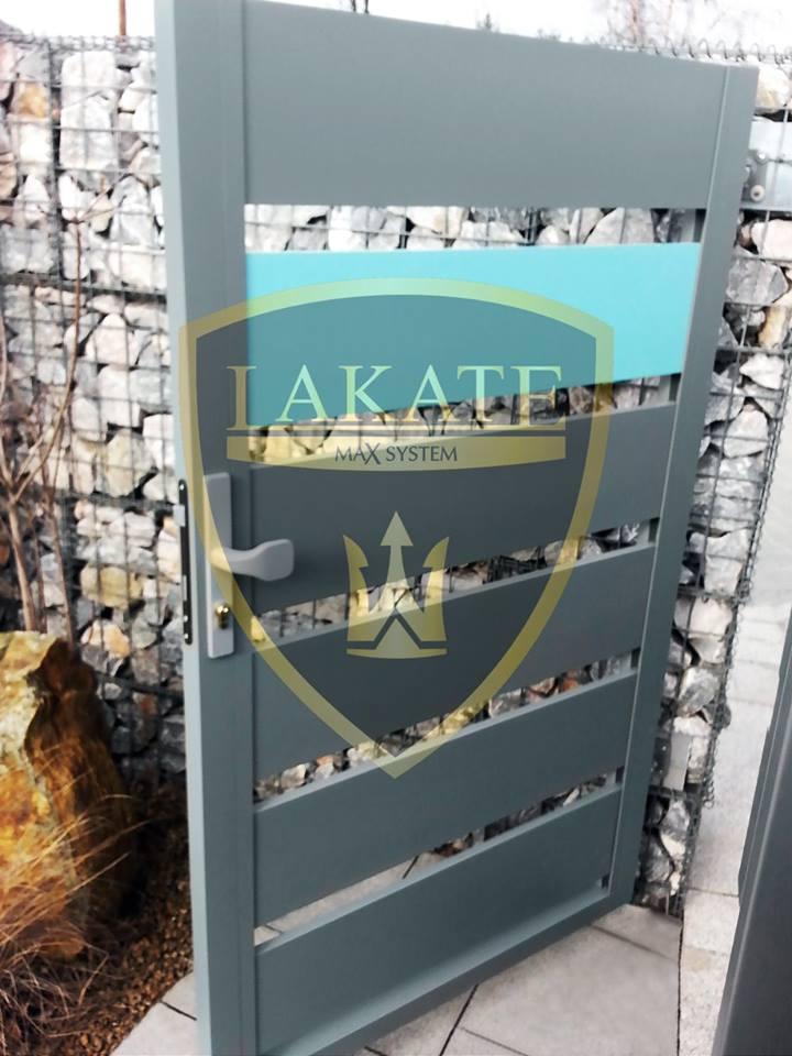 Furtka aluminiowa, ogrodzenie gabionowe