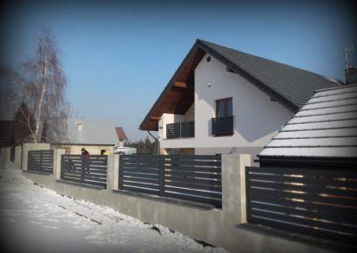 Ogrodzenia bez rdzy i korozji zapewnia producent nowoczesnych systemów aluminiowych Lakate