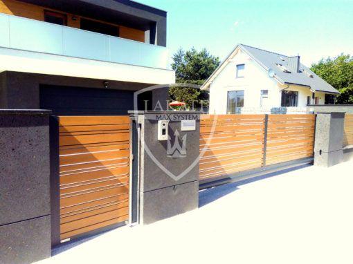 Piękna nowoczesna willa miejska, ogrodzenie aluminiowe Alu Wood Fence, powłoka winchester