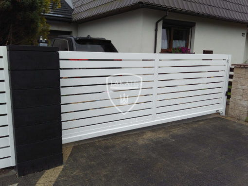 Alu Fence Optimal – brama przesuwna aluminiowa. Realizacja Tychy.